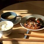 カフェ ピエニコティ - 料理写真:煮込みハンバーグ