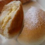 フランスベ-カリー - 白いクリームチーズパンの正体