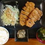 南国亭 - 同行者の アグーかつ定食 大\900(18-11)