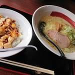 一代元 - 料理写真:塩ラーメンとミニマーボー丼のセット 777円
