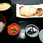 竈炊き立てごはん 土井 - 豚ロース西京漬膳(1600円+税)
