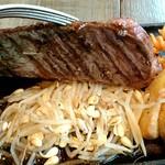 ニクバルダカラ - 肉の下に大量のもやし