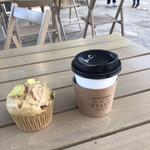 カカミガハラ・スタンド - 料理写真:ホットコーヒーと蒸しパン