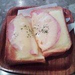 9718116 - ハムチーズトースト¥150モーニング