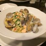 97180431 - 「下仁田葱と魚介のペスカトーレビアンコスパゲティ」1,600円(税込)