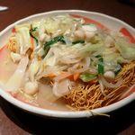 九州地鶏屋 鍋弁慶 - 九州らしい締めは皿うどん