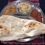 ヒマラヤンネパール食堂 - 2種類のカレーセット