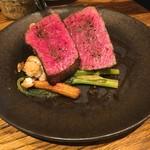 炭火焼ソーセージ酒場Salumeria - 黒毛和牛のモモ肉