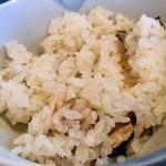 とんかつ とんQ - キノコと鮭の炊き込みご飯うまい!(2018.11)