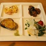 97186207 - 茄子天ぷら、サラダ、油淋ナス、オムレツ