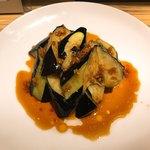 呉さんの台湾料理 - 茄子の素揚げのニンニクソースがけ