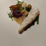 レイクサイドヴィラ 翠明閣 - 山口県産真鯛のポアレと季節の野菜香ばしいアイオリソース
