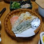 五右衛門茶屋 - 野菜の天ぷら お塩で頂きます。