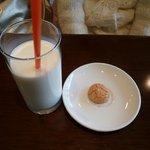 クローチェ - メニューに無いミルク 小菓子まで