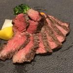 東京割烹 てるなり - 宮崎牛A5のイチボ。塩でいただきます。ウンマイ(^◇^)