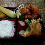 新華楼 - 料理写真:鳥から定食 850円
