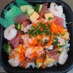北海丼丸 - バラ丼特盛800円(税抜き)