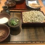 97229145 - 三つの味が楽しめるお蕎麦(とろろ、くるみ、そばつゆ)細麺大盛りです。