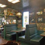 ラッキーピエロ - 「ラッキーピエロ ベイエリア本店」の店内では、ラブライブ!サンシャイン!!函館話劇中さながらな風景が楽しめます!