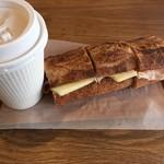 チクテベーカリー - ハムとチーズのバゲット