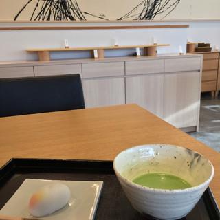 叶 匠寿庵 - 料理写真:お抹茶セット(864円税込)