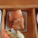 97231811 - 鶏の西京焼き 柔らかくもほどよい弾力で、歯応えが良い。味も良く漬かっていて美味。