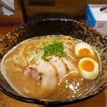 我羅奢 - 鶏白湯ラーメン(醤油) 780円