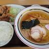 一那 - 料理写真:ラーメン(ネギ抜き)、半ライス、豚肉竜田揚げのラーメンセット750円