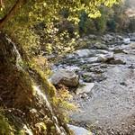 97237871 - 細い滝がありマイナスイオンたっぷり