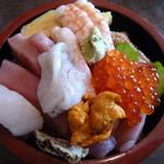 助六寿司 - 上ちらし 1300円