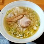 中華そば 弥太郎 - 料理写真:中華そば 弥太郎@厨川 塩ワンタン麺(780円)