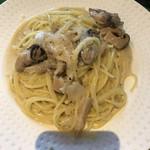 ベイビーズ ブレス - 牡蠣とキノコのクリームスパゲティ