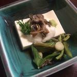 和仲荘 - 蒸し豆腐
