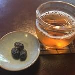 97256865 - ほうじ茶と丹波絞り豆