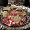 横谷ホルモン - 料理写真:七輪で焼くホルモン
