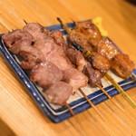 でんじろう - 豚・串盛り5本(500円+税)