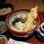 大阪 釆なりうどん - 本日のおうどんの定食 850円