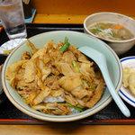 食彩処 夢一文 - 料理写真:豚キムチ丼 550円 他にセルフで漬物を頂ける