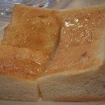 ユタカ - モーニング トーストセット(300円)