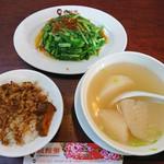 鬍鬚張魯肉飯 - 料理写真:魯肉飯39元 + 水耕A菜55元 + 菜頭湯45元