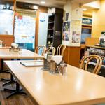 カレーレストラン シバ - 内観