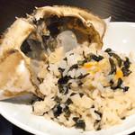 97268845 - 蟹味噌、ご飯、海苔を混ぜ混ぜして