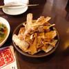 韓国家庭料理 唐辛子 - 料理写真:ごぼうチップス