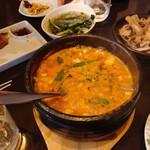 韓国家庭料理 唐辛子 - チゲ