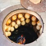 シルクロード ベーカリー シェル - 料理写真:自家製タンドゥール窯で焼き上げられるサムサの図