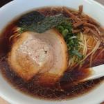 ななまる - 中華そば 鶏ガラと魚介のWスープ 750円