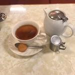 97275598 - 3杯分の紅茶