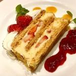 洋食屋 銀座グリルカーディナル - ナポレオンパイ@角度を変えても美味しそう