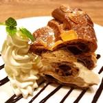 洋食屋 銀座グリルカーディナル - ショコラパリブレスト@プラリネショコラクリームとカスタード、柔らかめのシュー、アーモンドスライスがポイント