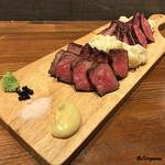 肉バルサンダー - 仙台黒毛和牛ロースといわて短角牛イチボ